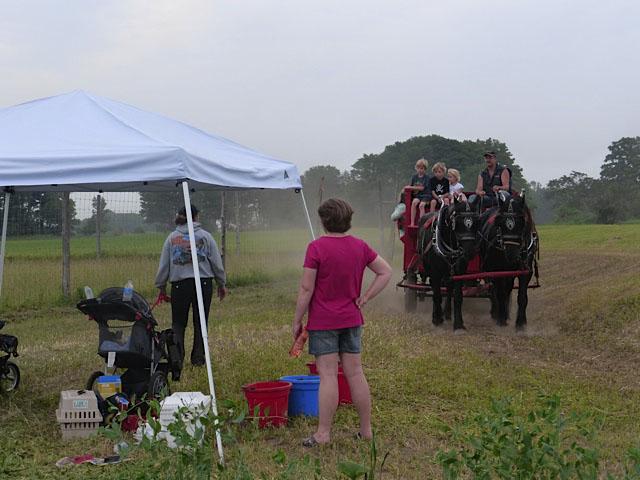 ffa-alumni-horse-ride